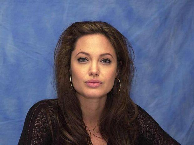 Angelina Jolie: Η αμαζόνα δίνει πάλι τη μάχη της