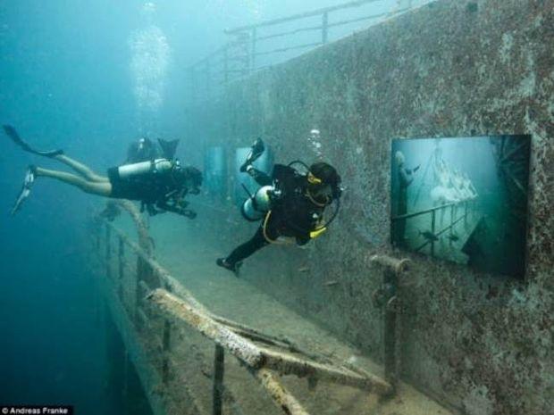 ΑΠΙΣΤΕΥΤΕΣ ΕΙΚΟΝΕΣ: Έκθεση φωτογραφίας σε ναυάγιο!