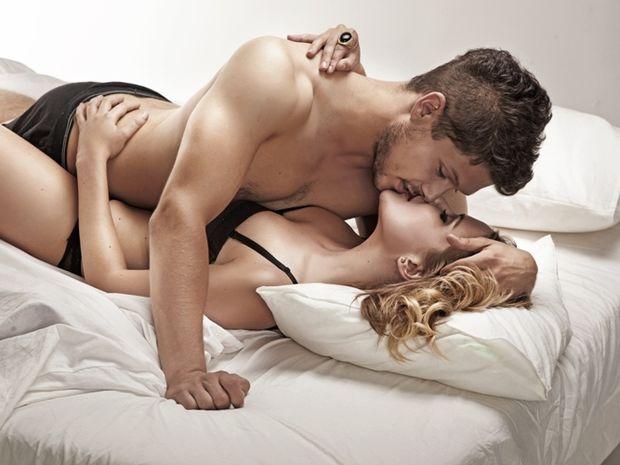 Πώς φιλάει ένας άνδρας ανάλογα με το ζώδιό του;