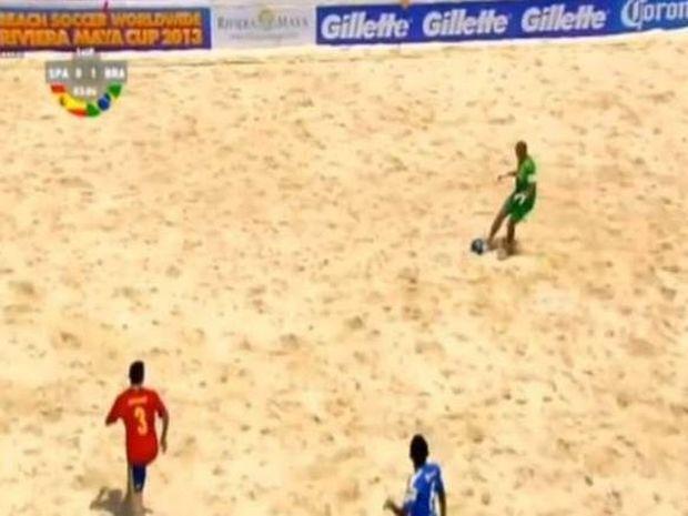 Γκολάρα στην... άμμο από Βραζιλιάνο γκολκίπερ (Video)