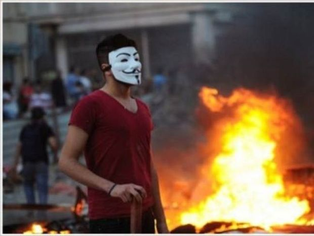 Συγκλονιστικές εικόνες στο twitter από τα επεισόδια στην Τουρκία