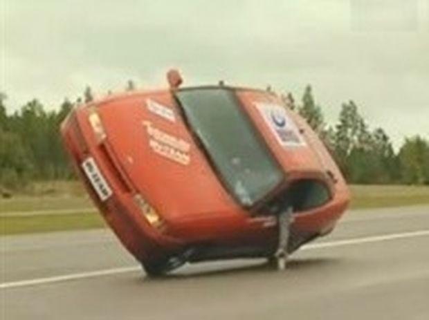 VIDEO: Ισορροπία με το αυτοκίνητο