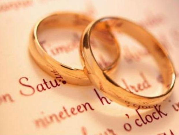 Πρωτοφανές: Ιερέας παράτησε το μυστήριο του γάμου κι έφυγε επειδή...