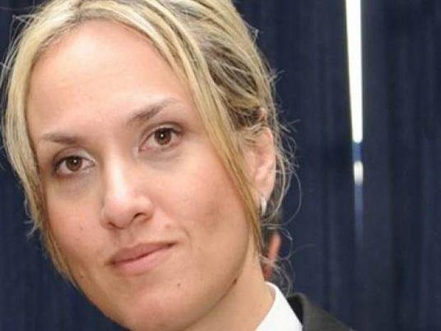 Η εντυπωσιακή πρώτη γυναίκα υπασπιστής στην Ελλάδα