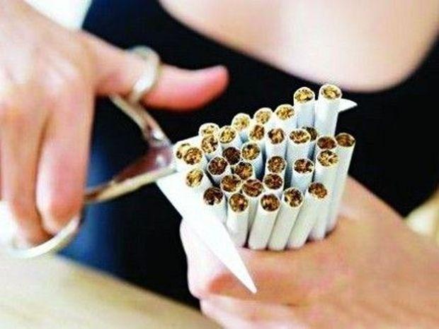 ΑΠΙΣΤΕΥΤΟ ΚΙ ΟΜΩΣ ΑΛΗΘΙΝΟ! Δείτε τι έκανε για να κόψει το κάπνισμα!
