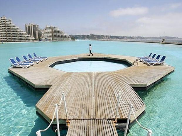 ΔΕΙΤΕ: Η μεγαλύτερη πισίνα του κόσμου!