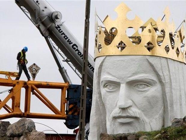 Στην Πολωνία το μεγαλύτερο άγαλμα του Ιησού στον κόσμο!