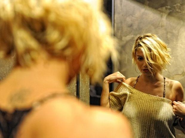 Μάθε τι πρέπει να φοράς και τι όχι ανάλογα με το... στήθος σου!