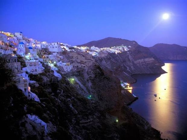 CNN: Ψηφίζει τα 9 ομορφότερα ελληνικά νησιά