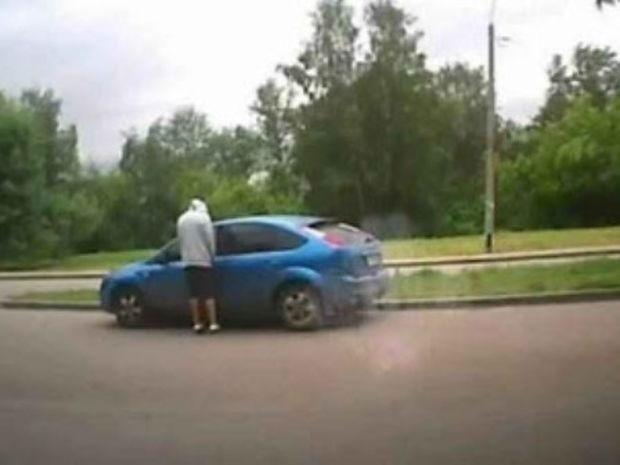 Δείτε στο βίντεο πόσο εύκολα και γρήγορα μπορεί να κλαπεί ένα αυτοκίνητο!