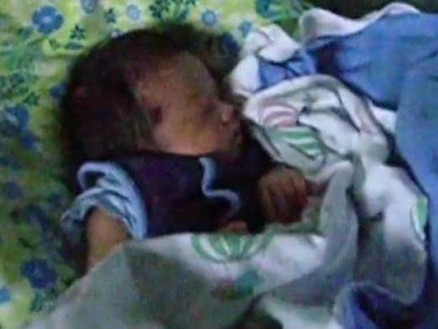 Γονείς βρήκαν πατέντα για να κοιμίζουν το νεογέννητό τους! (βίντεο)