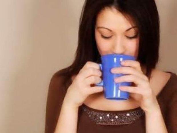 Τρία ΤΡΑΓΙΚΑ λάθη που κάνουμε το πρωί και μπλοκάρουν το μεταβολισμό