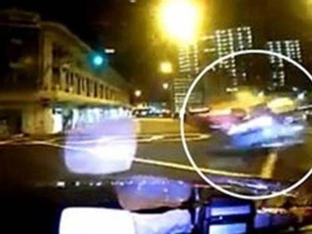 Συγκλονιστικό βίντεο από θανατηφόρα σύγκρουση Ferrari με ταξί!