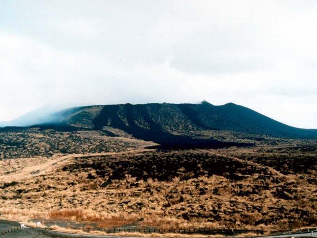 Σε αυτό το ηφαίστειο αυτοκτόνησαν 1290 άνθρωποι - Δείτε γιατί!