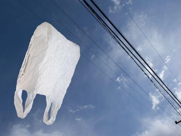 Mην πετάς τις πλαστικές σακούλες. Δες πώς να τις ξαναχρησιμοποιήσεις