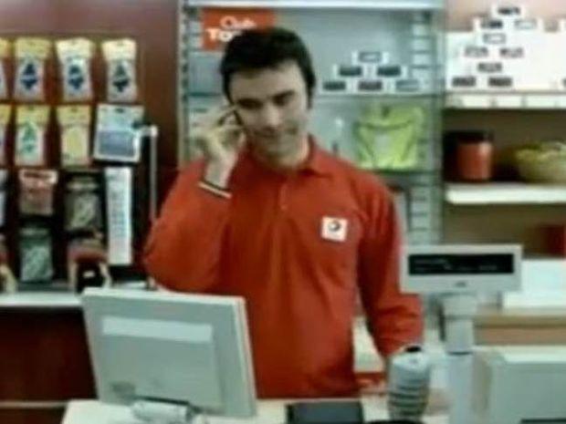 Ξεκαρδιστικό: «Συνομιλία» άνδρα με την γυναίκα του στο τηλέφωνο!