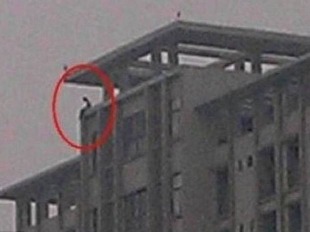 Μαθητής πήδηξε από τον 30ο όροφο γιατί του το ζήτησε ο δάσκαλος