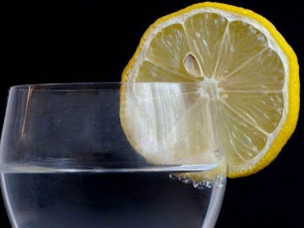 Εσύ το ήξερες αυτό για το νερό και το λεμόνι;