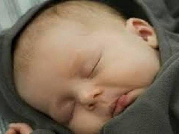 Έπαθαν ΣΟΚ οι γιατροί όταν βρήκαν ότι στο αυτί μωρού μεγάλωνε ένα...