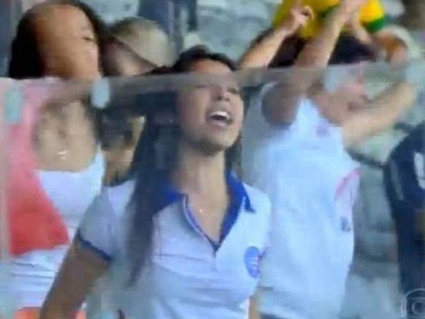Βραζιλία: Τα… πέταξε όλα για το γκολ της Μπαΐα (video)