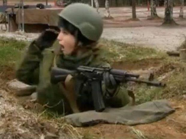 Τα όπλα δεν είναι για τις κυρίες... (βίντεο)