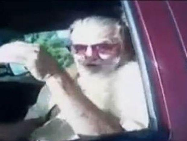 Ο τροχονόμος έπαθε ΣΟΚ όταν σταμάτησε το συγκεκριμένο οδηγό! (Video)
