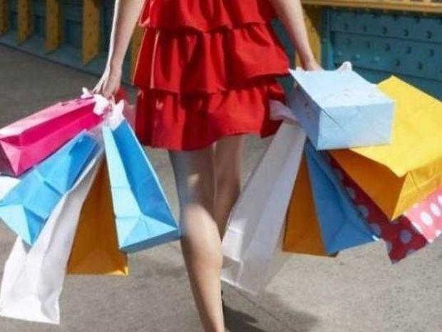 Η απιστία φαίνεται στα ψώνια! Τι αγοράζουν οι γυναίκες που απατούν;