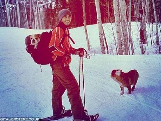 Ο Χάμιλτον ποζάρει με πέδιλα του σκι και προκαλεί αντιδράσεις