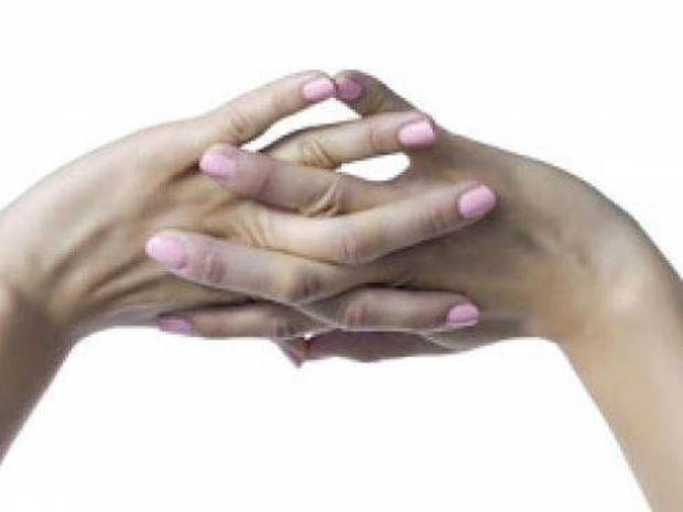 Κάνεις κρακ τα δάχτυλα σου; Δες γιατί πρέπει να το σταματήσεις!