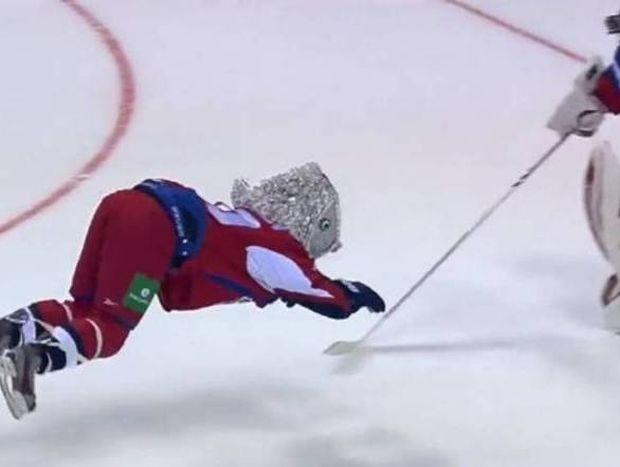 KHL: Παίκτης-ψάρι μπήκε πέναλτι