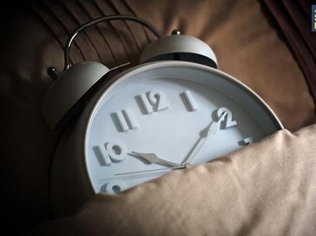Το λάθος που κάνουμε καθημερινά πριν κοιμηθούμε