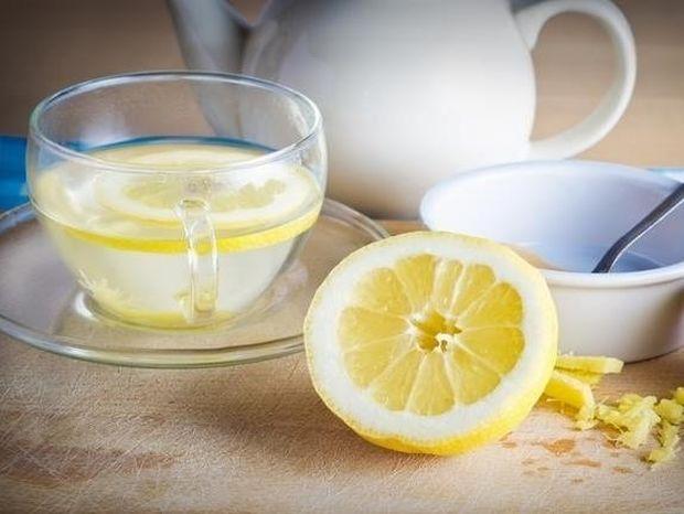 Νερό με λεμόνι: Το ιδανικό πρωινό!