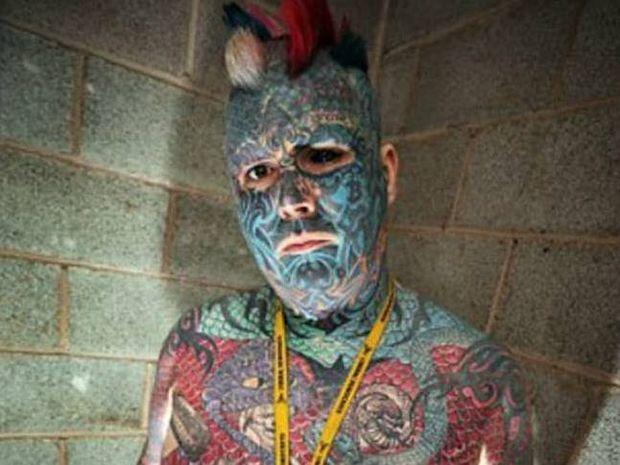 ΣΟΚ: O άνδρας που έχει τατουάζ ακόμα και στο μάτι!