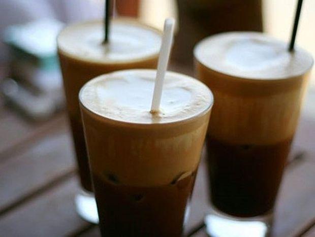 ΠΡΟΣΟΧΗ: Δείτε τι προκαλεί το γάλα στον καφέ...