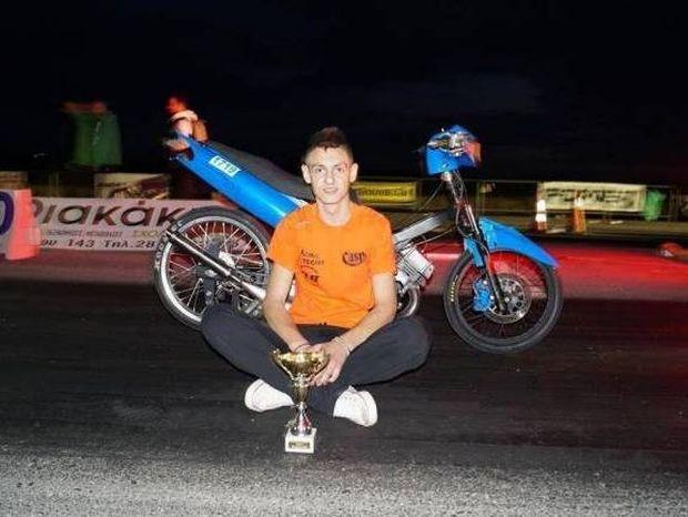 ΘΡΗΝΟΣ: Αυτός είναι ο 19χρονος που σκοτώθηκε στο Ελληνικό (photo)