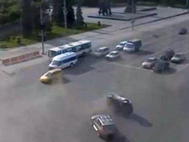 Το βίντεο της απόλυτης καταστροφής: Οι οδηγοί της... συμφοράς!