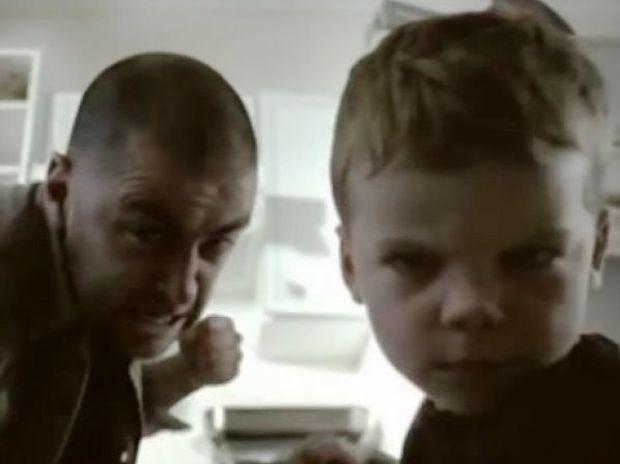 Ένα συγκλονιστικό video που θα αλλάξει τον τρόπο που μεγαλώνετε τα παιδιά σας