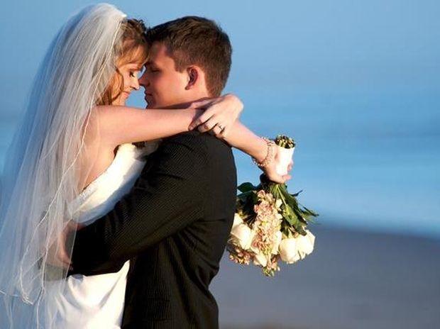 Γιατί οι άνδρες κάτω των 25 ετών ΔΕΝ πρέπει να παντρεύονται