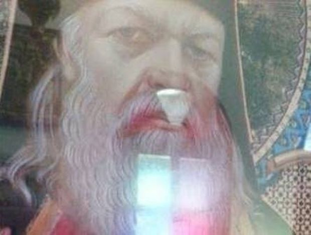 Δάκρυσε η εικόνα Αγίου Λουκά του Ιατρού Αρχιεπισκόπου Κριμαίας (φωτο)