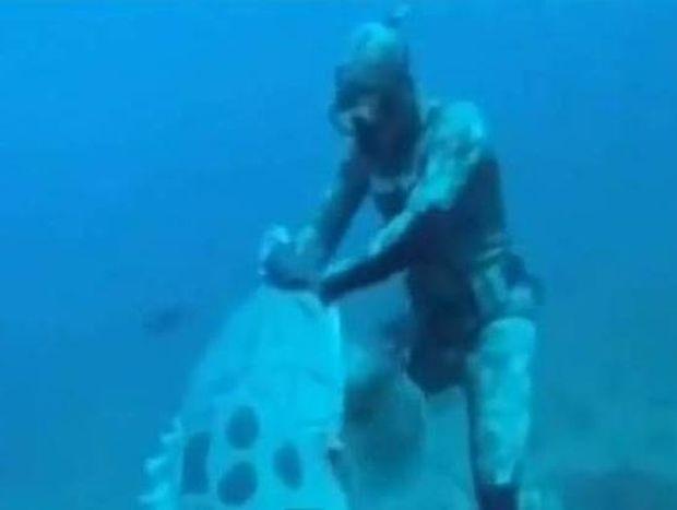 Βίντεο: Απίστευτη μάχη δύτη με τεράστιο ψάρι!