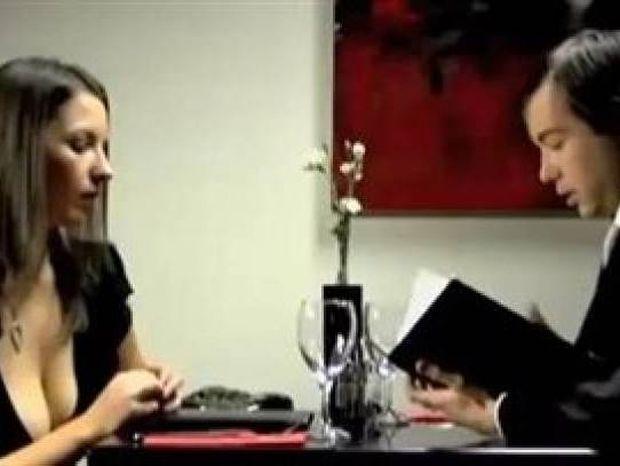 Την πάτησε - Χωρισμός για πολύ γέλιο (βίντεο)
