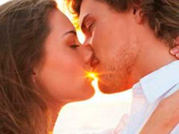 12+1 πράγματα που δεν ξέρετε για το… φιλί!