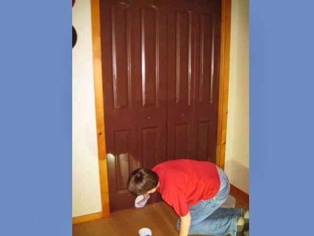 Ένας έφηβος αποφάσισε να βάψει την ντουλάπα του: Απίστευτο αποτέλεσμα...