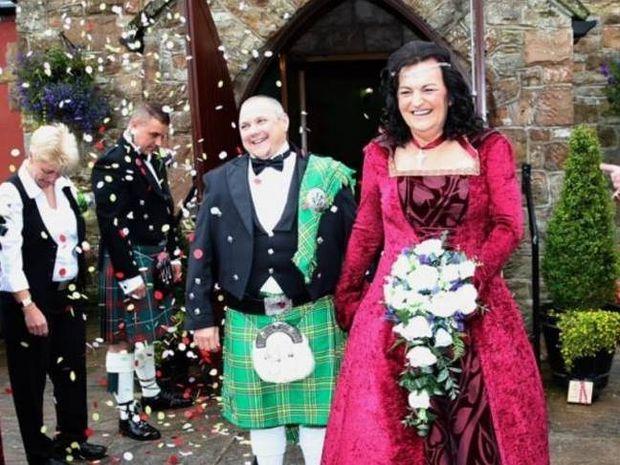 Νύφη πρώην άνδρας παντρεύτηκε γαμπρό πρώην γυναίκα! (pics)