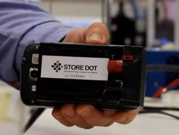Φορτίστε το κινητό σας σε 30 δευτερόλεπτα! (video)