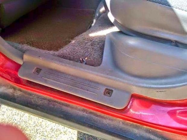 ΔΕΙΤΕ: Tι βρήκε μετά από 14 χρόνια κάτω από το κάθισμα του αυτοκινήτου του!