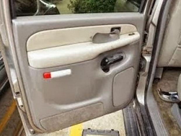 Δείτε το απρόσμενο «δωράκι» που ανακάλυψε ο νέος ιδιοκτήτης αυτού του αυτοκινήτου!