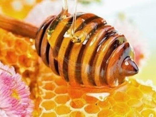 ΧΡΗΣΙΜΟ: Έτσι θα διαπιστώσετε αν το μέλι που αγοράσατε είναι νοθευμένο