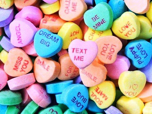 Έρωτας και Ζώδια: Διάλεξε το πιο γλυκό μήνυμα για να τον τρελάνεις!