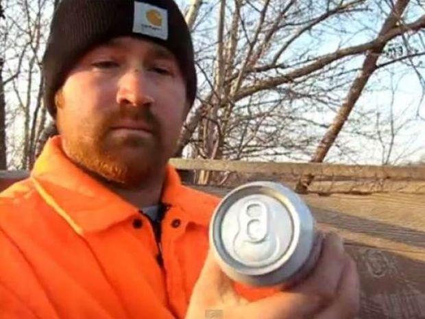 Ο άνθρωπος - ανοιχτήρι σαρώνει στο Youtube (βίντεο)